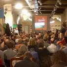 """Hier sieht man nur einen Teil der deutlich über 200 Zuhörer, die die """"Transit""""-Autoren feierten"""