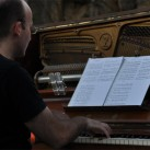 Klavier am See