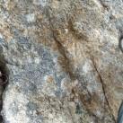 Saniert: neuer Ring neben altem eingeschlagenem Ring