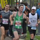 Gemeinsamer auf die Zielgerade: ein 10km - Läufer, ein Halbmarathoni und der Zeitläufer beim Marathon für eine Zeit unter 4:30h