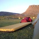ankommen, Zelt aufbauen, Matte aufblasen