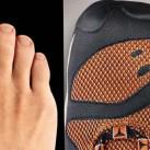Zehenumriß und nachgeformter Schuhumriß als Mittlelwert der gescannten Füße