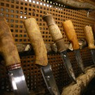 Traditionelle Formen und Materialien bei den Messern von Helle