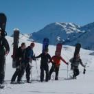 Schneeschuhgehen und Snowboarden