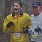 zum zweiten Mal im Winter in Leipzig am Start: Anton Luber mit seinem Begleiterläufer Peter Fröhlich