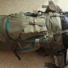 Voll beladen: im Zweifelsfall findet die Isomatte auch unter dem Rucksack einen sicheren Platz