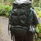 Auch mit weniger Gepäck macht der Deva 60 dank der Kompressionsriemen eine gute Figur