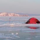 Morgenstimmung beim Zelten, im Hintergrund Olchon