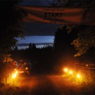 3.30 Uhr in Schöneck: Fackeln beleuchten den Start