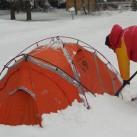 Zelte freischaufeln