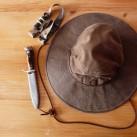 Mein Hut, mein Messer, meine Stirnlampe