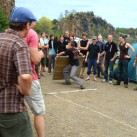 Bouldermattenweitwurf-Wettbewerb beim Bergfilmfestival 2008