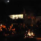 Abendstimmung mit Lagerfeuer, Musik und viel Zeit zum Reden nach den Filmen (Bergfilmfestival 2010)