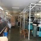 Im 'Stricksaal': Flachbettnähmaschinen tun auch noch ihren Dienst (copyright - Mufflon)