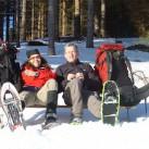 Tee-Time auf Wintertour im Erzgebirge: 2x Perfekt und 1x Crocodiles sorgen für den Nässeschutz, während sich der Specialist neben dem Dana-Design-Rucksack nicht verstecken muss