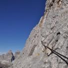 Stege, Leitern und Eisenstifte erleichtern den Weg nach oben