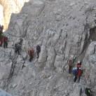 Anstehen auf dem Höhenweg in der Brenta mit vielen freien Kletterstellen (Bocchetta)