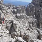 Freie Klettereinlagen mit Tiefblick in der Brenta
