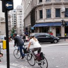 Viele nutzen das Rad in den Städten auf dem Weg zur Arbeit (©:Ortlieb Sportartikel GmbH)