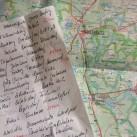 Kartenstudium und Routenplanung