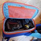 rotation180° Panorama: Rucksack und Fototasche in einem, mit Platz für Kamera mit 200er Standardobjektiv und einem Steiner-Fernglas