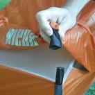 Die Cordura-Taschen am Außenzelt kommen auf die Aufstellstäbe an den Innenzelt-Ecken