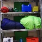 Ein trockener und zimmerwarmer Ort eignet sich, um die Ausrüstung sachgemäß einzulagern