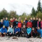 Wiedervereinigt: Gruppenbild vor Karwendelpanorma  - zu früh am Morgen: Der Nebelvorhang ist noch zugezogen
