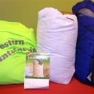 Schlafsäcke fühlen sich am wohlsten in Aufbewahrungssäcken aus Baumwolle oder Mesh-Gewebe