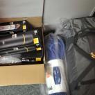 Alles ist bereit: Kisten mit Ausrüstung warten darauf ....