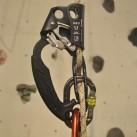 Grivel Handsteigklemme: Die integrierte Stichplatte eignet sich perfekt zum Absteigen / Abseilen