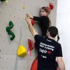 Sächsischer Kinder- und Jugendcup im Bouldern: Die Trainer immer helfend mit dabei