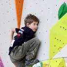 Sächsischer Kinder- und Jugendcup im Bouldern: Max hat den nächsten Griff im Blick