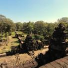 Blick von einer Tempelanlage in Angkor (Kambodcha).