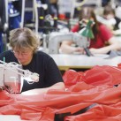 Inside Hilleberg: Bei ihrer Arbeit - in jedem Zelt kann man nachlesen, wer es fertig genäht hat
