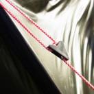 Eigentlich windet es fast immer hoch im Norden: die hillebergtypischen Zeltspanner kommen auch beim Enan zum Einsatz und das Zelt steht!