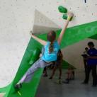 Sächsische Landesmeisterschaften Bouldern 2015 im SüdBloc: Rosalie macht sich lang