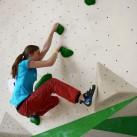 Sächsische Landesmeisterschaften Bouldern 2015 im SüdBloc: Annika bei ihrer Problemlösung
