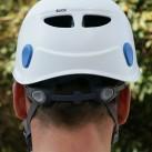 Petzl Elios: Kopfweiteneinstellung mittels zweier Hebel am Hinterkopf