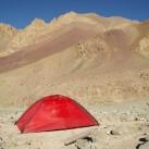 Das Hilleberg Unna in Mankarmo, dem Ausgangspunkt der Stok Kangri Besteigung