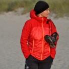 Wie trägt man die Wanderschuhe am Strand? Am liebsten über der Schulter!