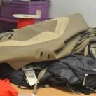 Auch Taschen und Rucksäcke werden repariert, wenn die Materialstärke es zulässt