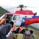 Schwer erreichbare Regionen werden mit Helikoptern angeflogen