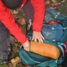 Das Bodenfach des Osprey-Rucksacks ist geräumig genug...