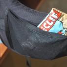 offene Tasche auf beiden Hüftflossen