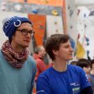 Sächsischer Jugendcup Wk2 Bouldern 2016 Leipzig - prüfende Blicke