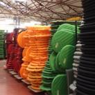 Qualitätsprüfung: Die aufgeblasenen Matten lagern mindestens 24 Stunden