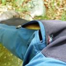 Zweiwege-Reißverschluss, der sich bis zum Stiefel komplett öffnen lässt