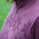 Beim Harpster Zip Women überzeugen neben dem Schnitt und dem Ton-in-Ton-Muster auch der hochgezogenen Kragen.