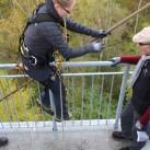 Gleiche Stelle, gleiche Aufgabe wie Gabriel: Abseilen vom Turm auf der Halde.